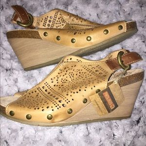 NWT Pikolinos Brown Leather Cork Sole Wedge 40